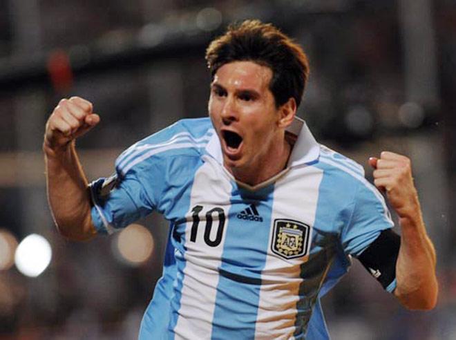 Messi - Akan Menyamai Prestasi Maradona?