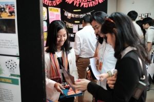 Aya explained her project to visitors