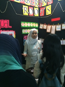 Azzah explained her modern Malay book